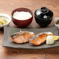 手仕込み焼き鮭定食