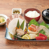 北海道鮮魚5種の刺身定食